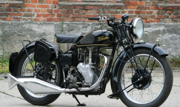 Velocette MAC -sold to UK-